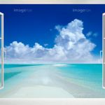白い窓とモルジブの海